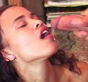Bitch sucking 14 inch dick